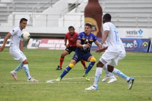 Delfín y Católica empatan 0-0