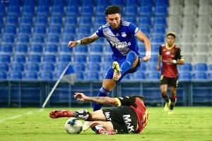 Emelec vence 2-0 a Deportivo Cuenca