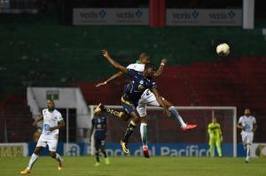 Liga de Portoviejo y Macará empatan 2-2 en el Reales Tamarindos