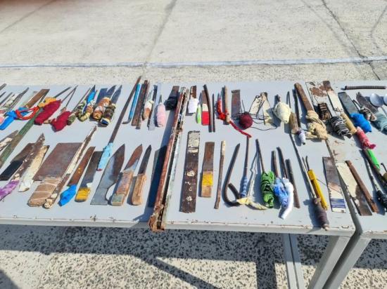 Decomisan armas y celulares en la cárcel de Bahía de Caráquez
