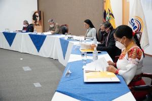 CNE da paso a Centro Democrático para inscribir nuevo binomio presidencial
