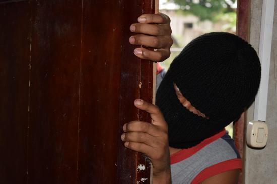 PORTOVIEJO: Ladrones entran a una casa y se llevan mil dólares