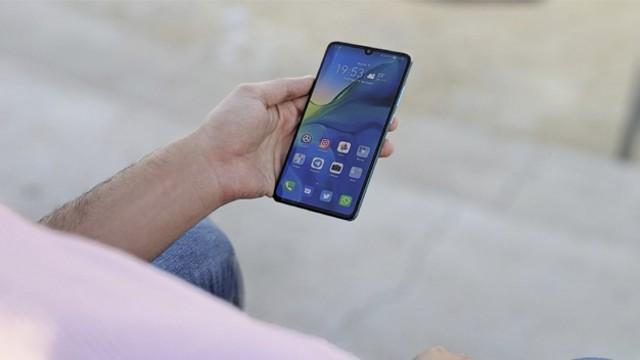 El covid-19 puede sobrevivir durante 28 días en las pantallas de los celulares, según un estudio