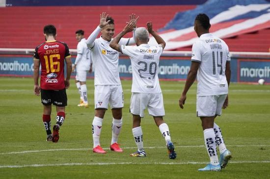 Liga de Quito vence 5-0 a Deportivo Cuenca