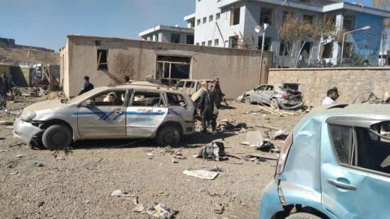 Al menos 13 muertos y 95 heridos en explosión de coche bomba en Afganistán