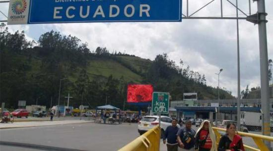 Colombia estudia reabrir frontera terrestre con Ecuador a partir de noviembre