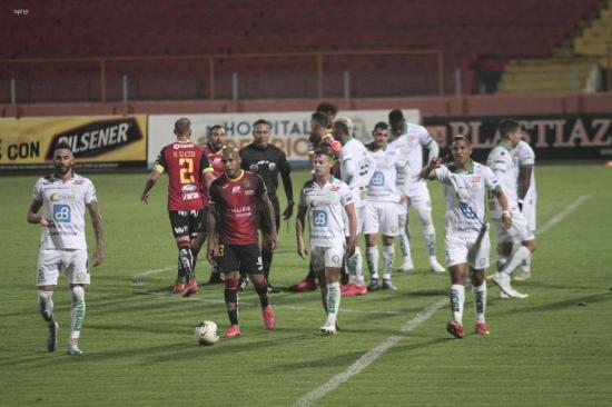Liga de Portoviejo cae 2-1 ante Deportivo Cuenca