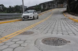 Cuatro arterias fueron adoquinadas en la urbanización Santa Rosa