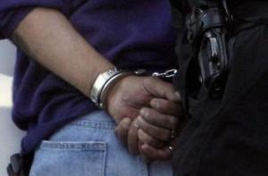 En Chone un hombre fue detenido tras ser acusado de abusar sexualmente de una menor