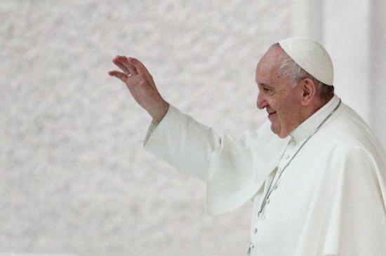 El Papa defiende que los homosexuales tengan ''derecho a tener una familia''