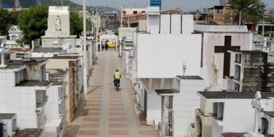 Los cementerios de Portoviejo abrirán, pero con regulaciones