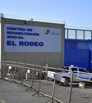 Un reo es hallado muerto dentro de la cárcel El Rodeo