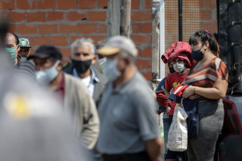 Argentina extiende hasta el 8 de noviembre las restricciones por la covid-19