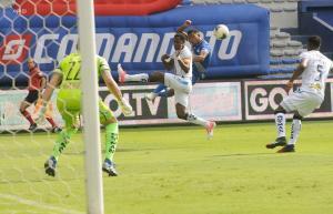 Emelec y Macará empatan0-0 en estadio George Capwell