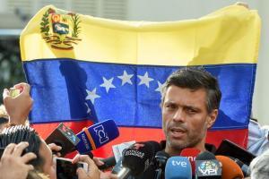 El opositor venezolano Leopoldo López llega a Madrid