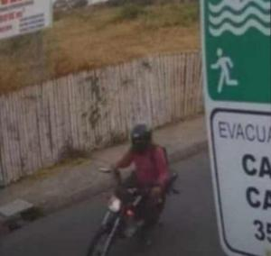 PORTOVIEJO: Graban intento de robo a un ciclista en la avenida Reales Tamarindo