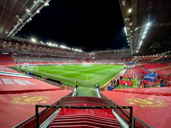 El Manchester United prepara Old Trafford para acoger hasta 23.500 aficionados