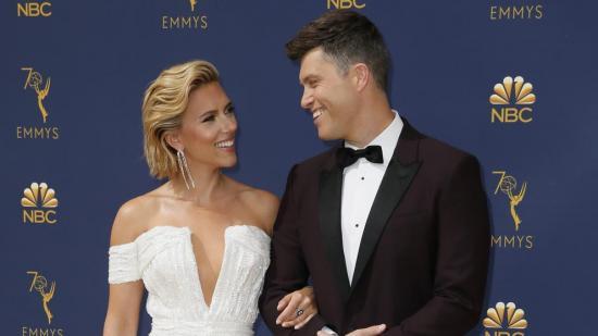 Scarlett Johansson se casa con el cómico Colin Jost en una ''íntima ceremonia''
