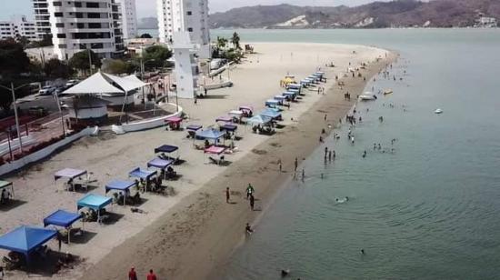 Jama, San Vicente y Sucre acuerdan mantener sus playas abiertas este feriado