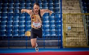 Lukasz Mamczarz, el atleta que superó la amputación de su pierna para convertirse en medallista paralímpico