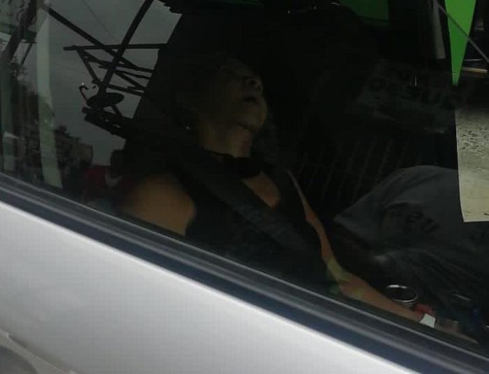 Asesinan a una mujer  por robarle