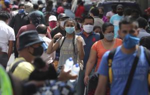 Ecuador invertirá 200 millones de dólares para vacunar al 65% de la población