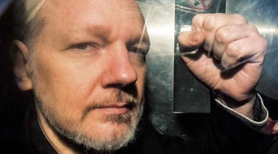 Imputado de espiar a Assange le acusa de tener visitas de riesgo para Ecuador