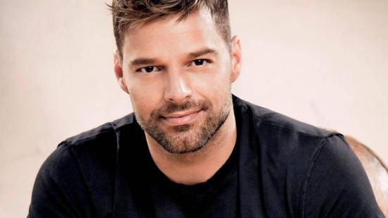 Ricky Martin tiene embriones congelados esperando para ampliar su familia