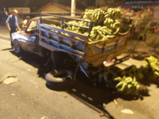 Dos hombres quedan heridos tras un accidente de tránsito en la vía Tosagua-Rocafuerte