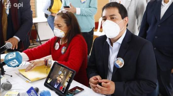 La madre del precandidato Andrés Arauz, contrató 0 mil con la UTM