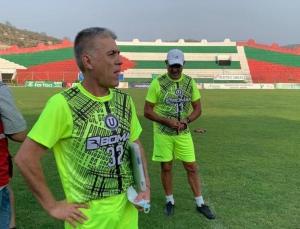 Marcelo Zuleta renuncia como DT de Liga de Portoviejo