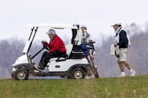 Trump abandona la cumbre del G20 para irse a jugar al golf