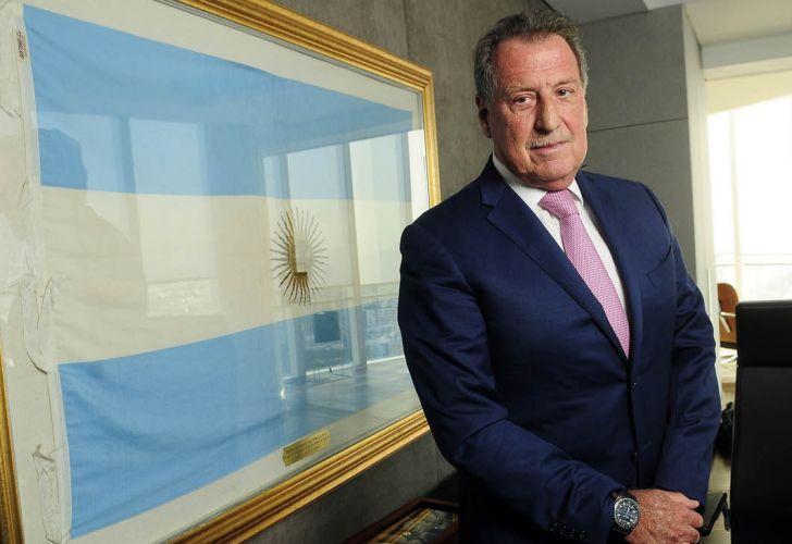 Muere el banquero argentino Jorge Brito tras estrellarse su helicóptero