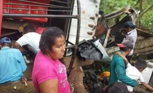 Al menos 17 muertos y 25 heridos al volcar un camión en Nicaragua