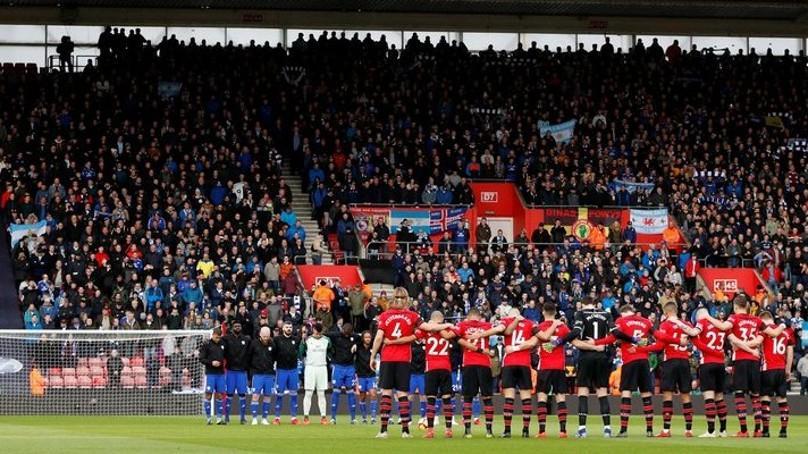 El público volverá a los estadios ingleses a partir de diciembre, según BBC