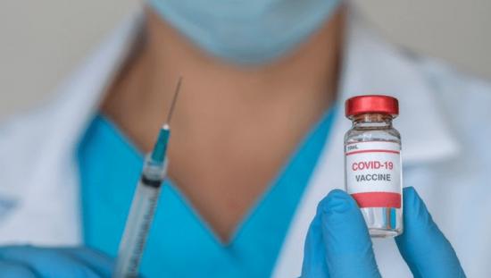 Las farmacéuticas podrían ganar $50.000 millones con la vacuna del Covid-19