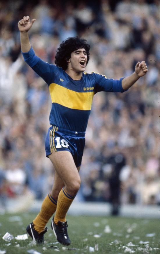 La FEF despide a Maradona, a quien considera un 'genio único e irrepetible'
