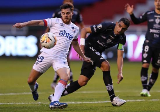 Nacional saca sufrido pero afortunado empate con Independiente del Valle
