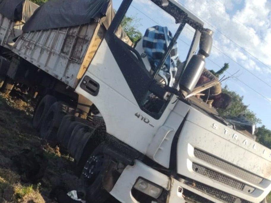 Al menos 37 muertos tras colisión entre un autobús y un camión en Brasil