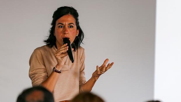 Vicepresidenta de Ecuador dice que violencia contra mujer tiene muchas caras