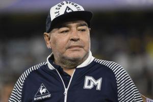 Maradona, un ícono del fútbol con una vida llena de altibajos