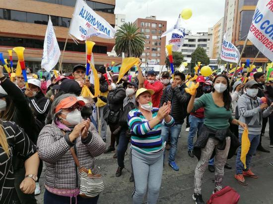 Cientos de manifestantes en Quito exigen al CNE permitir candidatura de Noboa