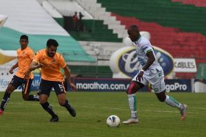 Liga de Portoviejo vence 2-1 a Universidad Católica
