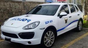 En Portoviejo dañan patrullero durante atención de un altercado