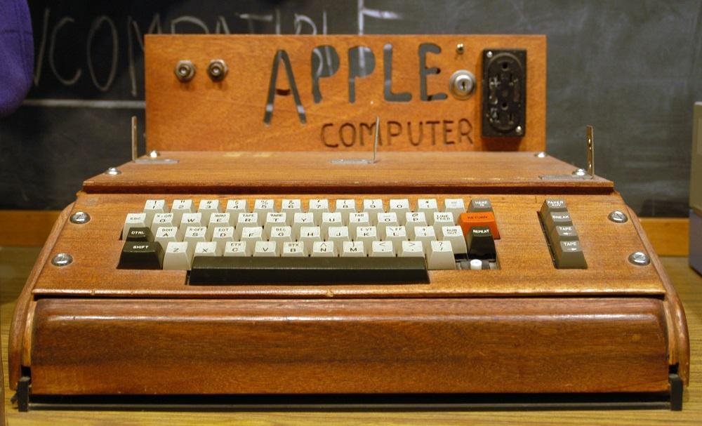 Subastan desde 50.000 dólares un computador Apple I original y aún operativo