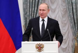 Putin ordena comenzar la próxima semana la vacunación masiva contra covid-19
