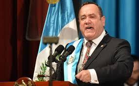 Presidente de Guatemala cierra una entidad criticada por duplicar funciones