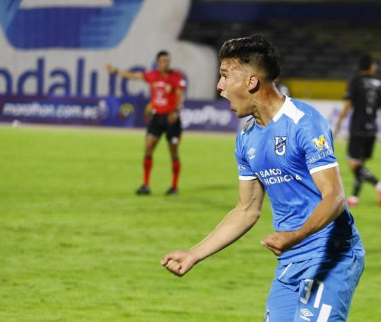 Universidad Católica 2 vence a  Liga de Quito en el Olímpico Atahualpa