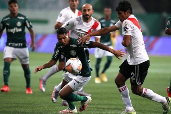 Palmeiras es el primer finalista de la Copa Libertadores pese a caer ante River