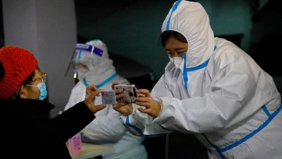 Los expertos de la OMS volarán a Wuhan el jueves para buscar origen del virus